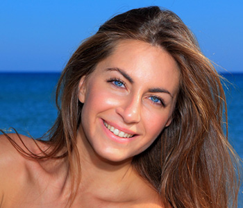 Who is a candidate for Fraxel treatment in San Mateo area